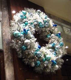 Christmas in New York City - wreath at Tiffany's