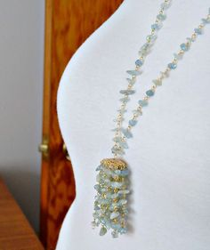Learn how to make this easy DIY gemstone tassel necklace, a sparkly glam take on the tassel jewelry trend. Tassel Jewelry, Gemstone Jewelry, Tassel Necklace, Beaded Jewelry, Necklaces, Stone Chips, Jewelry Trends, Tassels, Jewelry Design