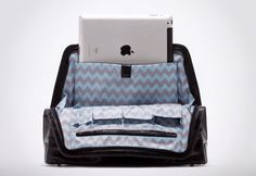 The Kaboo Tech Pouch Bags - finally a gadget-focused bag for the ladies out there
