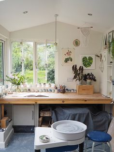 Keeping healthy and sane in the run-up to Christmas — Kt Robbins Ceramics Good health and safety practices in a pottery studio. Studio Layout, Art Studio Design, Studio Setup, Studio Ideas, Design Design, Art Studio Decor, Studio Decorating, Chart Design, Wall Design
