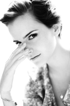 Emma Watson media gallery on Coolspotters. See photos, videos, and links of Emma Watson. Harry Potter Film, Pretty People, Beautiful People, Beautiful Women, Enma Watson, Jolie Photo, Famous Faces, Girl Crushes, Divas