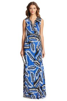 A new wrap silhouette, the DVF Orchid is a streamlined, sleeveless floor length style punctuated with contrasting belt and band detailing. Falls to the floor. Fit is true to size.