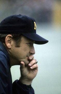 Bo, best coach ever! U Of M Football, College Football Coaches, Football Season, Football Stuff, Michigan Athletics, Michigan Wolverines Football, University Of Michigan, Michigan Go Blue, Detroit Sports