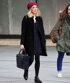 Fearne Cotton is effortlessly chic in a tailored camel coat Proper Attire, Fearne Cotton, Love Her Style, Funky Style, Winter Outfits Women, Funky Fashion, Camel Coat, Cotton Style, Classic Looks