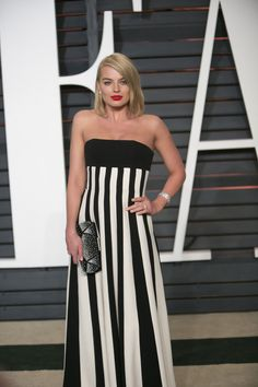 Oscars 2015 after-parties red carpet: Check out the transformations | Margot Robbie #redcarpet #oscars2015 http://www.nj.com/entertainment/celebrities/index.ssf/2015/02/oscars_2015_fashion_after_party_vanity_fair_party.html#incart_river