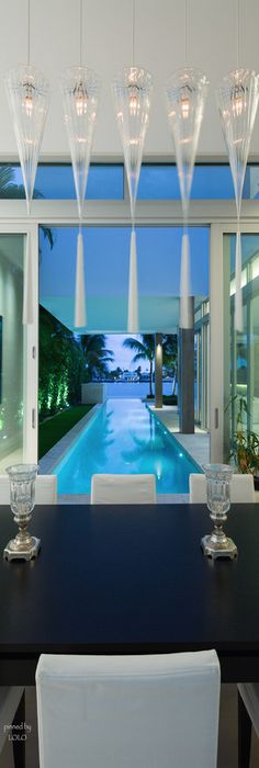 Luxury Beach Houses – Oceanfront Design With White Exteriors And