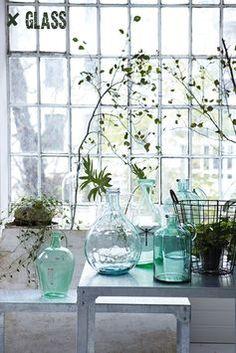 Greenery in glass jars - House Doctor House Doctor, Bottles And Jars, Glass Jars, Bottle Vase, Water Bottle, Plantas Indoor, Vibeke Design, Deco Floral, Blog Deco