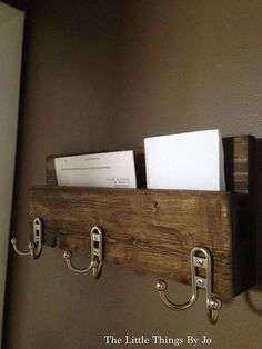 Modern Rustic 3 Hanger Hook Hat Rack With Mail Key Organizer.