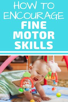 Learn all about the best baby toys to encourage fine motor development. Babies learn new skills through play. These toys make perfect Christmas gifts for babies. Make sure to add these to your baby registry if you are an expecting mother. Baby Care Tips, Baby Tips, Baby Hacks, Baby Lernen, Best Baby Toys, Baby Tumblr, Baby Nursery Themes, Baby Christmas Gifts, Baby Play