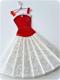 Pretty paper dress templates/tutorials - i have to try and make this for a card. Dress Card, Dress Up, Bustier Dress, Origami Vestidos, Paper Clothes, Paper Dresses, Barbie Clothes, Mode Kimono, Origami Dress