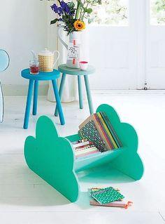 repisa nivel suelo, genial. DIY Cloud Book Caddy via 101woonideeen