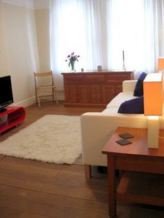 London furnished rental, one bedroom apartment steps from Marylebone, near Regent Park. London Vacation Rentals, One Bedroom Apartment, Rental Apartments, Ideal Home, Condo, House, Park, Home Decor, Travel