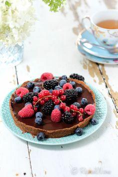 Deze taart is gebakken met teff. Teff is een oergraan en het is glutenvrij. Een recept uit het kookboek Teffilicious van Angela Dijksterhuis. Zij teelt sinds 2002 zelf teff in Hijken (Drenthe)