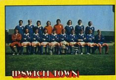 1974-75 A&BC Gum #56 Ipswich Town Team Front