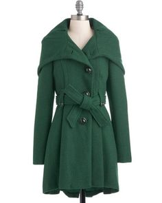 Ready for any weather with our lovely assortment of plus size coats at ModCloth! Shop all plus size winter coats at ModCloth, come rain or shine! Plus Size Outerwear, Plus Size Coats, Designer Plus Size Clothing, Mode Mantel, Cute Coats, Plus Size Winter, Stylish Coat, Vintage Coat, Retro Vintage