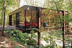 The house from Ferris Bueller for sale. Built in The Ben Rose House — located in Highland Park, Illinois — was designed by architects A. James Speyer and David Haid. Ferris Bueller House, Cameron Homes, Rose House, Casas Containers, Storage Containers, Celebrity Houses, Day Off, Architectural Digest, Modern Architecture