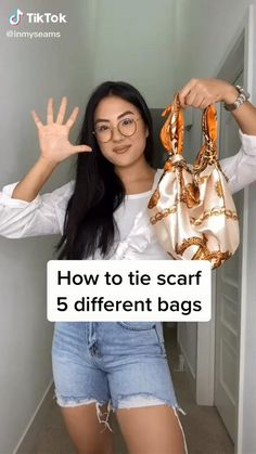 #scarf #bag #scarfidea Trendy Outfits, Cute Outfits, Fashion Outfits, Style Fashion, Beautiful Outfits, Diy Fashion Hacks, Fashion Tips, Diy Fashion Videos, Hijab Fashion Inspiration
