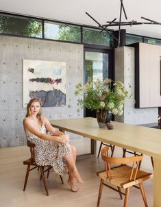 Every square inch of Maria Sharapova's dreamy Los Angeles home is a testament to the tennis great's style, spirit, and focus Maria Sharapova Hot, Sharapova Tennis, Three Story House, George Nakashima, Travertine Floors, Los Angeles Homes, Japanese Architecture, Celebrity Houses, Concrete Wall