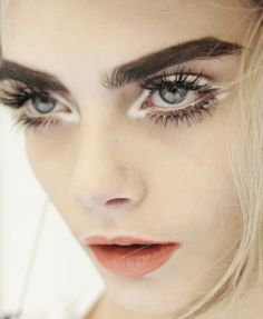 Cara Delevingne // Halloween eye makeup ideas