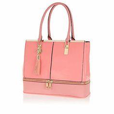 http://us.riverisland.com/women/bags--purses/shopper--tote-bags/Pink-zip-base-tote-bag-644618