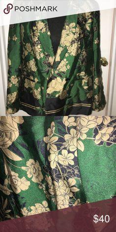 Shop Women's Zara Green Black size L Blazers at a discounted price at Poshmark. Blazer Suit, Suit Jacket, Floral Blazer, Zara Jackets, Fashion Design, Fashion Tips, Fashion Trends, Blazers, Coats