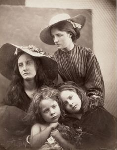 Find the latest shows, biography, and artworks for sale by Julia Margaret Cameron. One of the early pioneers of photographic portraiture, Julia Margaret Came… Julia Margaret Cameron Photography, Julia Cameron, History Of Photography, Portrait Photography, Heart Photography, Vintage Photographs, Vintage Photos, Vintage Portrait, Antique Photos