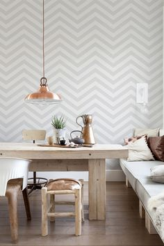 Black and White Chevron Stripe Wallpaper