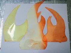 Tinting and Dying Worbla's TranspArt and DecoArt/Friendly Plastic Cosplay Diy, Halloween Cosplay, Scary Halloween, Halloween Crafts, Diy Crafts For Home Decor, Diy Arts And Crafts, Fire Costume, Fake Fire, Fire Crafts