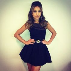 Sabrina Sato com vestido preto curto