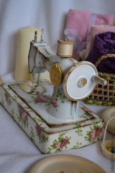 Sewing machine by telma.maria.332345