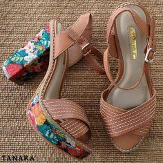 Tudo que você precisa é amor. E dessa sandália Tanara.  N7822