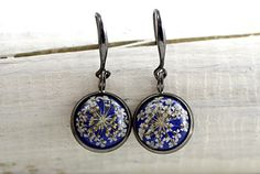 SPECIAL OFFER: Real dried flower earrings. Queen Anne's lace in blue resin. Free shipping.