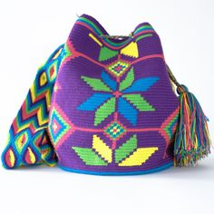 Wayuu Boho Bags with Crochet Patterns Mochila Crochet, Crochet Handbags, Crochet Purses, Knit Or Crochet, Crochet Crafts, Crochet Projects, Crochet Bags, Tapestry Bag, Tapestry Crochet