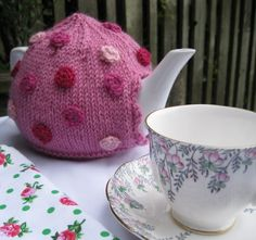 Polka Dot tea cozy - knit AND crochet combined