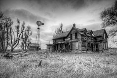 Abandoned farmhouse, Pollard, Kansas by Dave McKane on Abandoned Farm Houses, Old Abandoned Buildings, Old Farm Houses, Abandoned Castles, Old Buildings, Abandoned Places, Spooky Places, Haunted Places, Haunted Houses