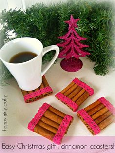 Cinnamon stick coasters via happy girly crafty Simple Christmas, Christmas Gifts, Jw Gifts, Christmas Gift Wrapping, Diy Projects To Try, Coasters, Easy Diy, Recycling, Girly
