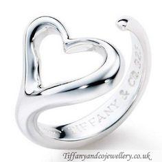 Tiffany & Co Elsa Peretti Open Heart Ring. I like Elsa Peretti jewelery! Tiffany Jewelry, Tiffany Rings, Tiffany Necklace, Tiffany Bracelets, Bling Bling, The Bling Ring, Elsa Peretti, Look Fashion, Fashion Beauty