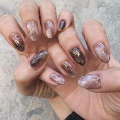 Pin on nail 私たちに従ってください Pin on nail 私たちに従ってください Funky Nails, Cute Nails, Pretty Nails, Minimalist Nails, Nail Swag, Hair And Nails, My Nails, Nagel Bling, Ombre Nail Designs