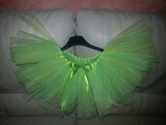 Uno splendido tutù per un esigente ballerina, creato soltanto con del tulle colorato e un elastico.