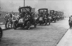 Taxis line up to take French soldiers to the Battle of the Marne in September 1914.