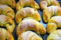 Desať receptov na plnené rožteky - Žena SME Sweet Desserts, Pretzel Bites, Bagel, Doughnut, Cookie Recipes, Sausage, Deserts, Food And Drink, Sweets
