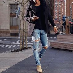 What do you think of the style? Whatcha say  or ? Leave a comment   DM for Shoutouts ➖➖➖➖➖➖➖➖➖➖➖➖➖➖➖➖ . . . . . . . #Mensstyle #streetstyle#mode #classy #fashionweek#mensclothing #stylefashion #menwithstreetstyle #streetwear #dapper #mensfashionpo