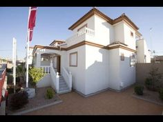3 Bedroom House in La Marina € 159,500 www.fiestaproperties.com