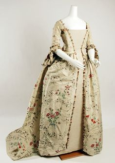 So I've figured out why all the dresses similar to this look bad on the site they're from- they're worn with interchangeable bodices/stomachers and petticoats, but the museum replaced them with plain muslin. Ruins the look.