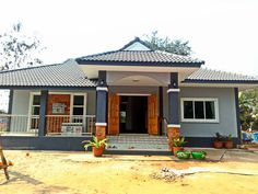 5 Best New Designs for a Three-Bedroom House Small Cottage Designs, Small House Design, Bungalow Exterior, Bungalow House Design, Minimalist House Design, Minimalist Home, Three Bedroom House, Small Cottages, Affordable Housing