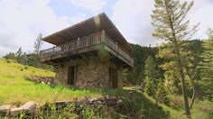 Watch 500 Sq. Ft. Rocky Mountain Mansion Full Episode - Tiny House Nation | FYI