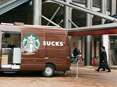 Not sure if this is a digital montage or a real bad marketing decision. Either way is quite funny, and the Starbucks Sucks logo is also a smart way of remind branding ambassadors out there to be ca… Funny Ads, Funny Signs, Funny Humor, Crazy Funny, Funny Stuff, Advertising Fails, Advertising Design, Free Advertising, Hilarious Pictures
