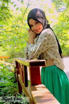 Hijab style by Rabia A. Modest Fashion Hijab, Hijab Chic, Modest Outfits, Islamic Fashion, Muslim Fashion, Women's Fashion, Muslim Images, Hijab Look, Muslim Hijab