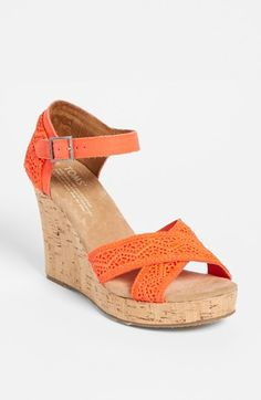 TOMS Crochet wedge - love the color
