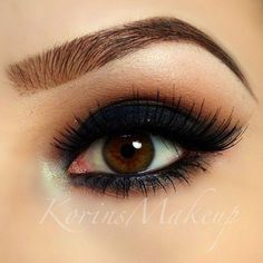 Eye Makeup Tips.Smokey Eye Makeup Tips - For a Catchy and Impressive Look Kiss Makeup, Eyebrow Makeup, Love Makeup, Beauty Makeup, Eyeliner, Makeup Looks, Hair Makeup, Smokey Eyeshadow, Makeup Eyeshadow